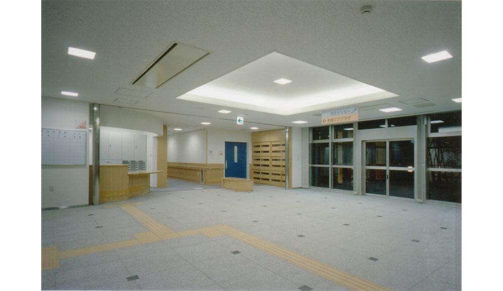 11. エントランスホール