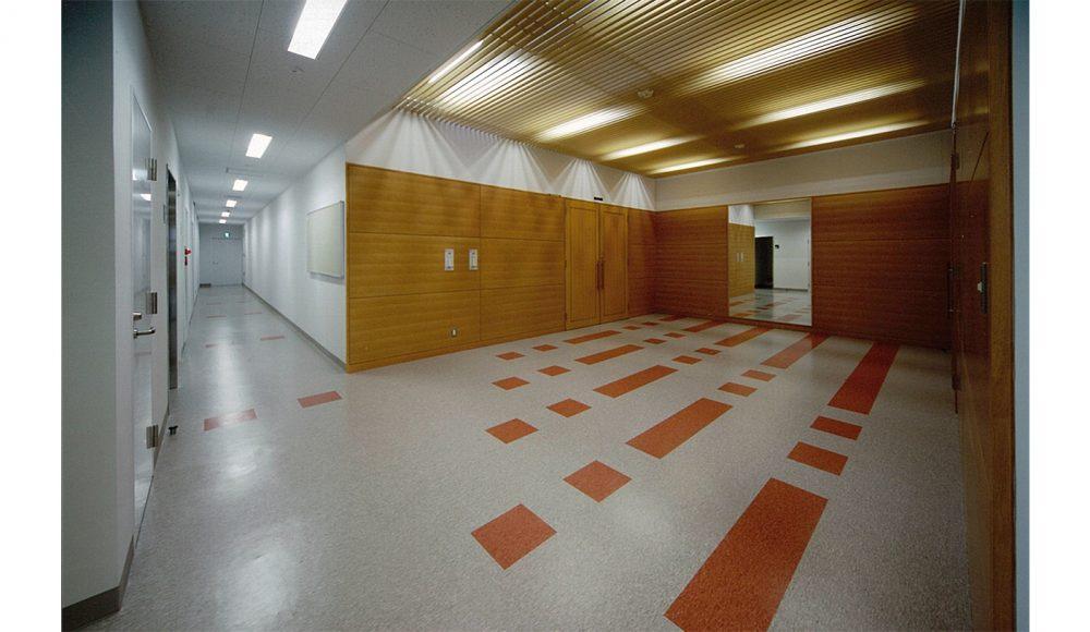 57 四階廊下・ホール