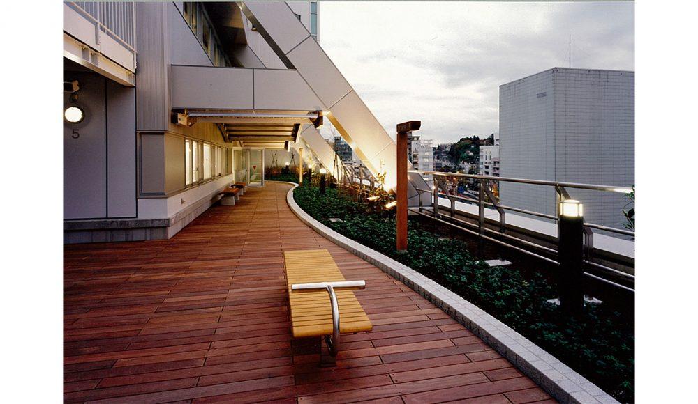16 5階屋上庭園